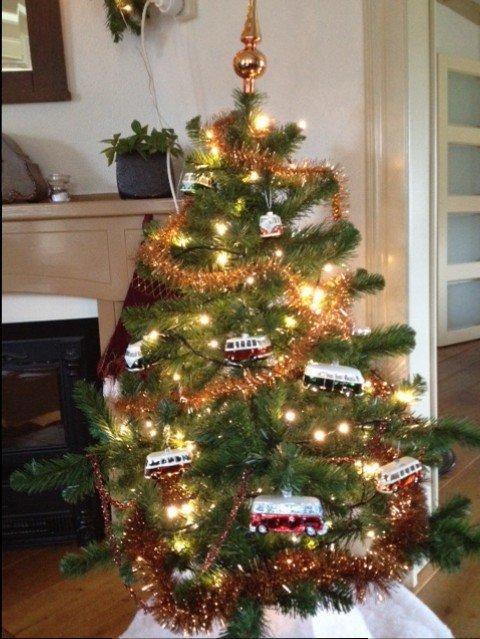 trots - kerstboom - volkswagenbusjes - kerst - plantplezier