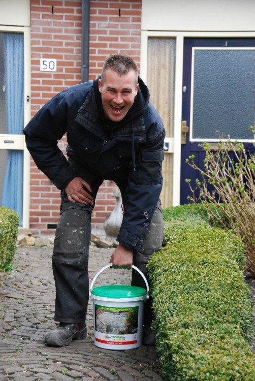 Geen onkruid meer tussen je tegels - PlantPlezier.nl