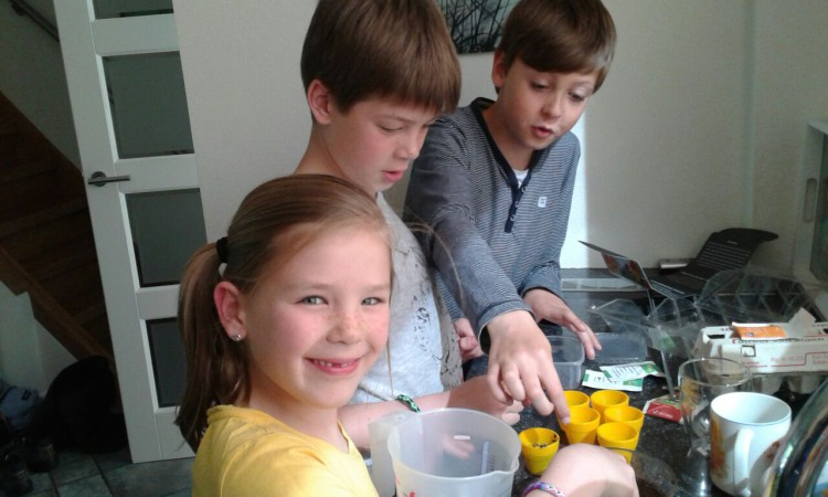 Lotte, Jesse en Oscar met Rob's Snoeptuin